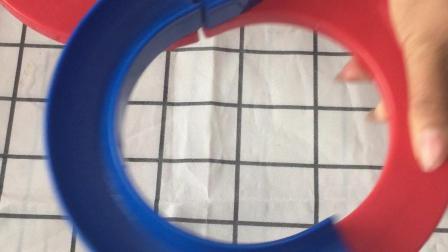 给宝宝买的轨道球,自己先玩开了