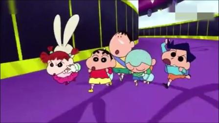 蜡笔小新:五岁就敢玩跳伞!小新他们的胆子很大哦
