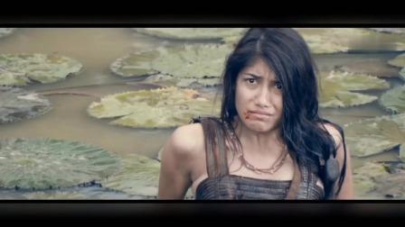 一部泰国古装战争片,暹罗都城里的男人女人打斗起来都非常凶悍-暹罗之战