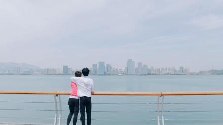 冰糖炖雪梨:关系和好如初,喻言搂着老妈,远远看去像极了年轻的小情侣!