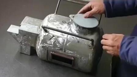 牛人的发明:废旧煤气罐改装成炉子,烤火、煎蛋、煮方便面一流