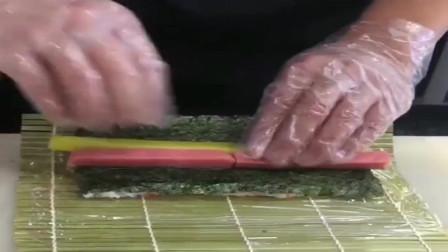 河南小哥把米饭换了个造型,做了一盘可爱的寿司,家人看了都说好!