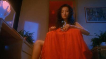 午夜十二点,穿着红衣服的鬼最猛,这女的就想做最猛的女鬼