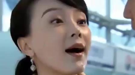 夫妻那些事:陈数套路真深,黄磊偷看宝妈喂奶被发现,这下尴尬