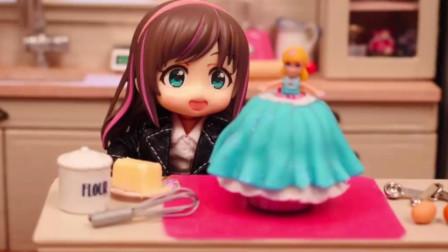 这翻糖蛋糕做的太精致了,总是饿第一次,一口都舍不得吃!