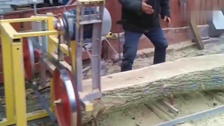 大叔几百块钱买来的锯木机器,这钱花的值了!