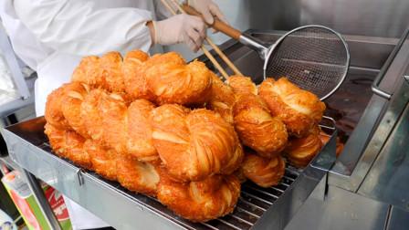 """韩国油炸小吃:""""大王面包棒""""!制作过程像捏橡皮泥一样好玩!"""