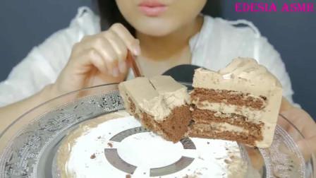 EDESIA吃珍珠色鲜奶油巧克力蛋糕她好有原则,衣服不变食物万变