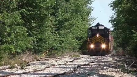 【英文中字】世界上十大奇奇怪怪的火车和铁轨 @黑布林频道