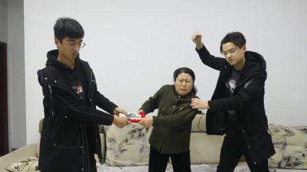 自制剧:两个儿子不孝顺,想要卖掉母亲的房子,养女来后做法感动