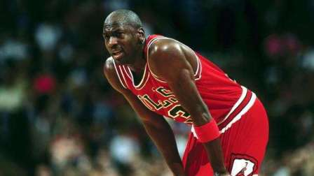 NBA中那些让观众全场起立的投篮集锦