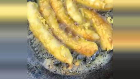 祖母用菜籽油做的炸香蕉,比食用油还要好吃,广东王大爷都被馋哭了