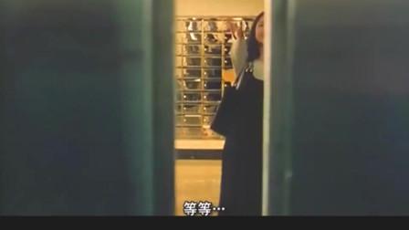 周星驰坐电梯碰到七位前女友,太尴尬了