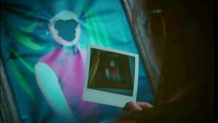 恐怖电影:墙上一幅画像,端庄优雅却没脸,直到女主对她拍下照片