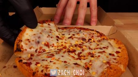 厚底披萨配脆皮玉米热狗肠 ASMR吃播