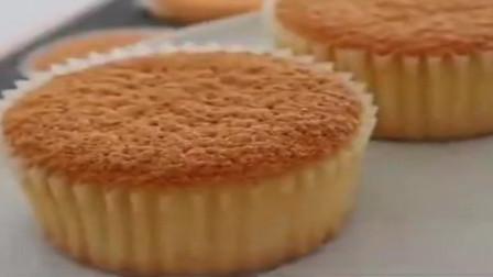 美女们的最爱!「纸杯蛋糕做法教程」超级绵密香甜,新手真的可以学!零失败