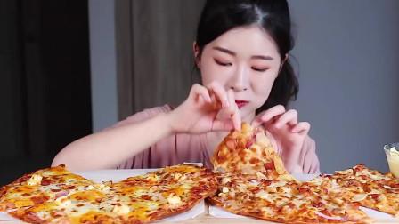 韩国美女吃播:吃披萨,吃得太过瘾了,真香