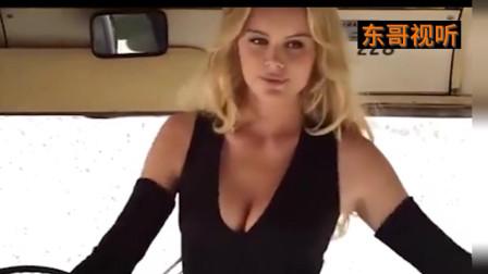 大巴车上的金发美女特工,手持双枪秒对手