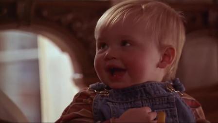 小鬼当街:坏蛋哄宝宝睡觉,又是唱又是跳,结果把宝宝逗笑