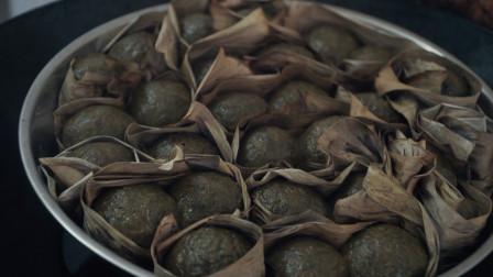 2斤艾草1斤糯米粉,做出来的糍粑劲道美味,大人小孩都爱吃