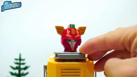 变形金刚玩具超车的脑袋上长了一对翅膀耳朵