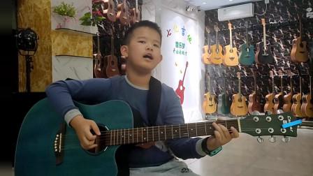 《同桌的你》邓博文同学学习吉他视频