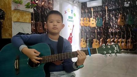 《童年》邓博文同学学习吉他视频