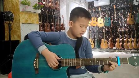 《小草》邓博文同学学习吉他视频