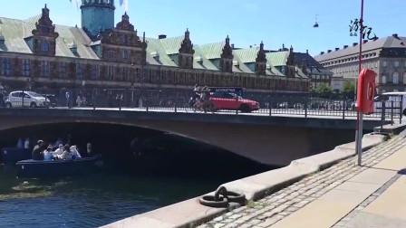丹麦的首都是哥本哈根,这里有很多古老的游乐园,大概真的像是童话故事中写到的那样,建筑风格吧