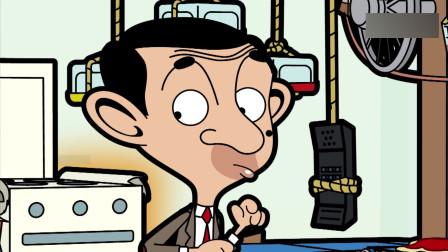 憨豆先生:披萨的订单不断,憨豆一人忙不过来,把电话给玩偶熊接