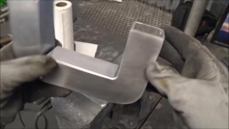 一根空心方管如何焊弧形弯头?他用了这个方法,真是与众不同