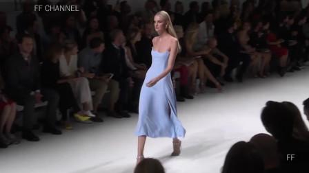 2020纽约时装周Versace品牌时装秀,经典的裙子,简约又不简单!