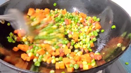 豌豆玉米粒家常做法,放点火腿和南瓜味道更好