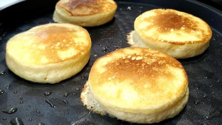 家庭版舒芙蕾做法,家里有平底锅就能做,比面包好吃,比蛋糕简单
