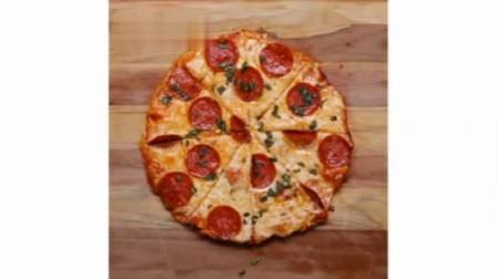 不用烤箱就能在家做出来的披萨