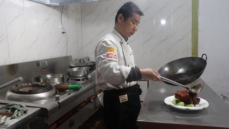厨师长教红烧肘子,不用油炸