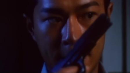 职业大贼:女子走下车看见男友,江和他举枪相对,谁会先开出枪?