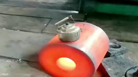 广西老板用这个方法烧开水,一年不知道省了多少电费,这叫靠山吃山!