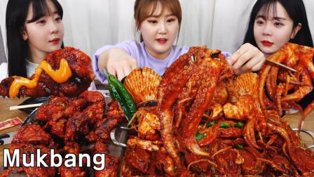 韩国胖妹邀朋友在家做客,简单的做个海鲜大餐,要吃就要吃过瘾嘛