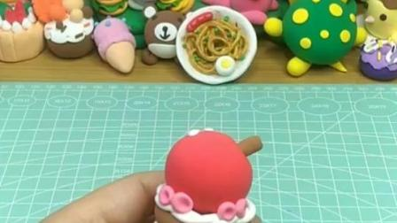 一分钟教孩子用超轻粘土做个千层蛋糕——罗弗巧乐卡超轻粘土教程