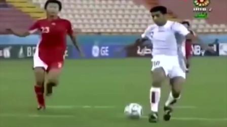 中国足球史上最丢人的一粒失球!伊朗人过掉王大雷把球停在门线上