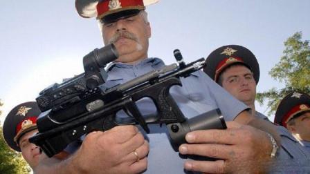 小枪却有大威力,配备独特的拉机柄,详解俄罗斯PP-2000冲锋枪