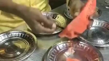 印度街头的水果忍者,这刀工手速让你连眼睛都舍不得眨一下。