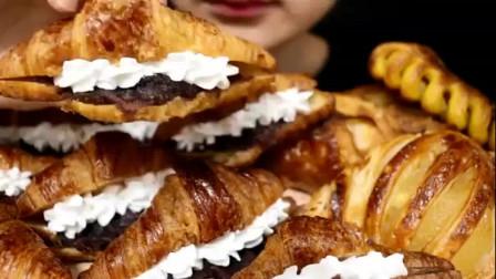 吃播大胃王:妹子吃红豆沙奶油可颂面包酥皮苹果派,食音咀嚼音