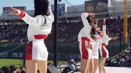 韩国啦啦队美女朴姬兰,现场模仿金清夏经典舞