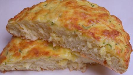 在家做蒜香芝士面包,做法超简单,松软拉丝,比吐司面包好吃10倍
