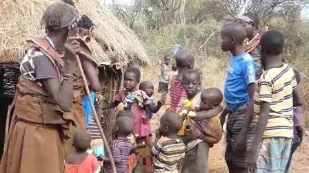 一个非洲的原始部落,他们在结婚的时候,对女性来说就是噩梦!