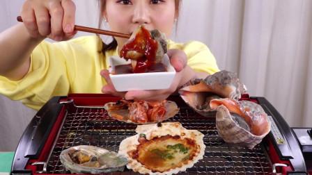 开吃烤海鲜, 扇贝, 鲍鱼, 虾子, 三文鱼和牛肉,哇,擦擦口水