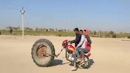 印度小伙这摩托车,看着是不是霸气侧漏