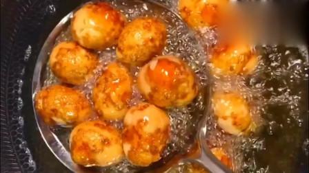 麻辣虎皮鸡蛋这样做,方法很简单,一学就会,味道很好哦!